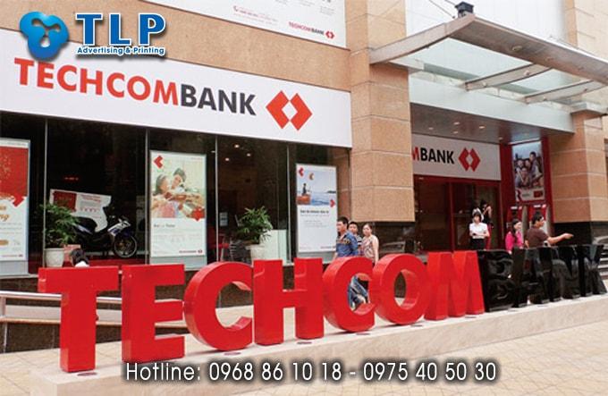 bien quang cao ngan hang techcombank (2)