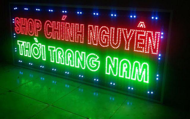 Biển quảng cáo đèn led thu hút khách